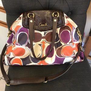 Perfect for fall!! 🍁🍂🌻 Coach purse